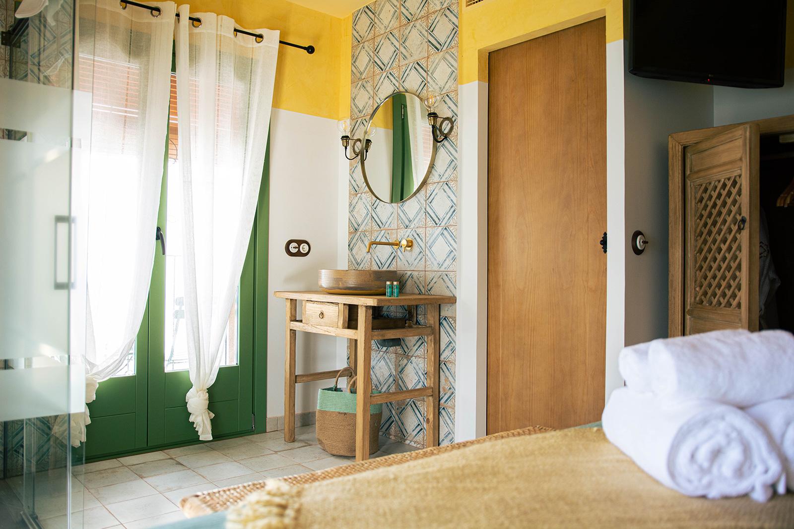 LOVE JOANNA hotel tu balcón al mediterráneo fotografía habitación